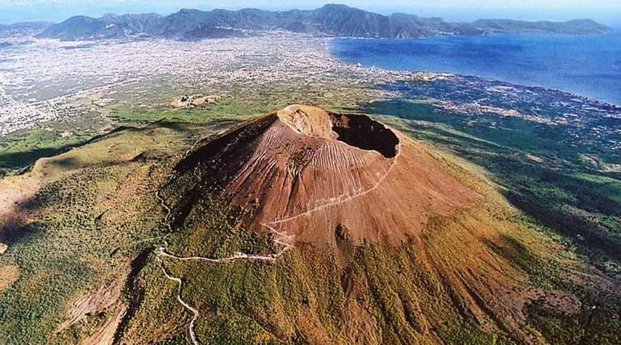 イタリアのベスビアス火山